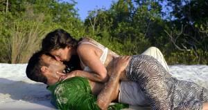 Casal em Preliminares na Praia