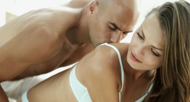 Tiro liquido por el ano - parejaenfemeninocom