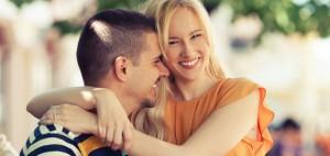 Casal sorridente