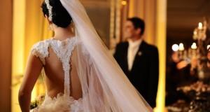 Noivos em casamento
