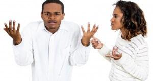 Homem confuso na relação
