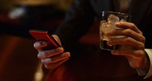 Telefone no bar