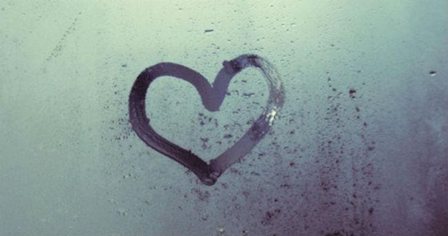 Coração no banheiro