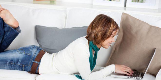 Mulher no Laptop