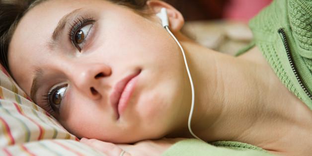 Ouvindo música triste