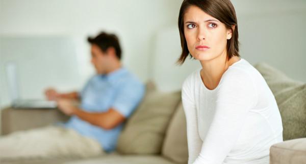 Mulher insatisfeita com relação