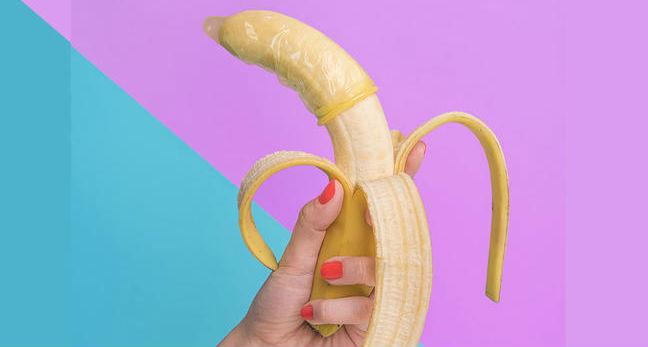 Camisinha na banana